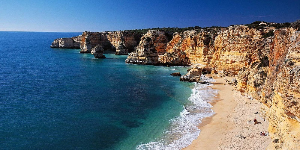 Très beach-faro-rocks-portugal.jpg (1000×501) | Daytrips/ Weekend trips  FQ73