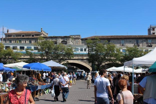Catania nuovo trasferimento per il mercatino delle for Mercatino delle pulci catania